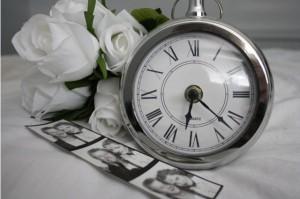 love roses clock